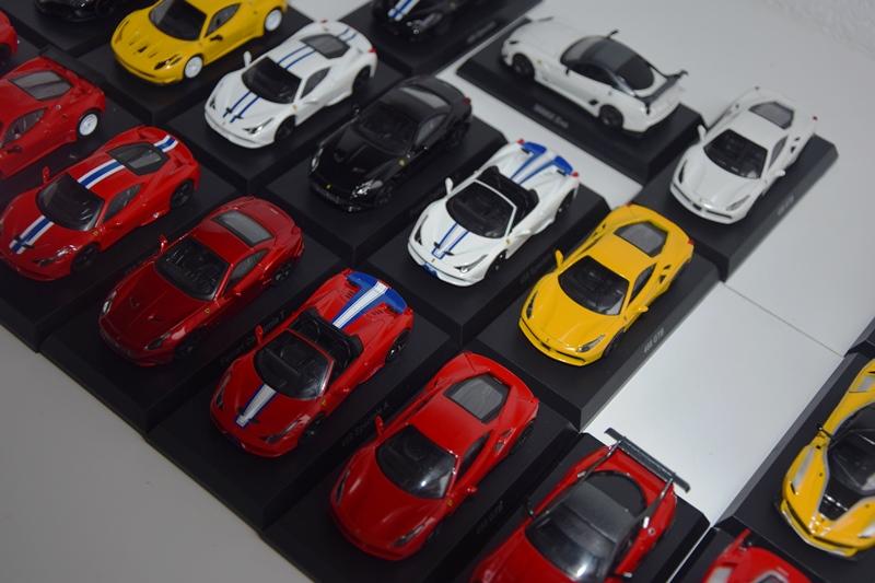 Ferrari_Kyosho12_64_04.JPG