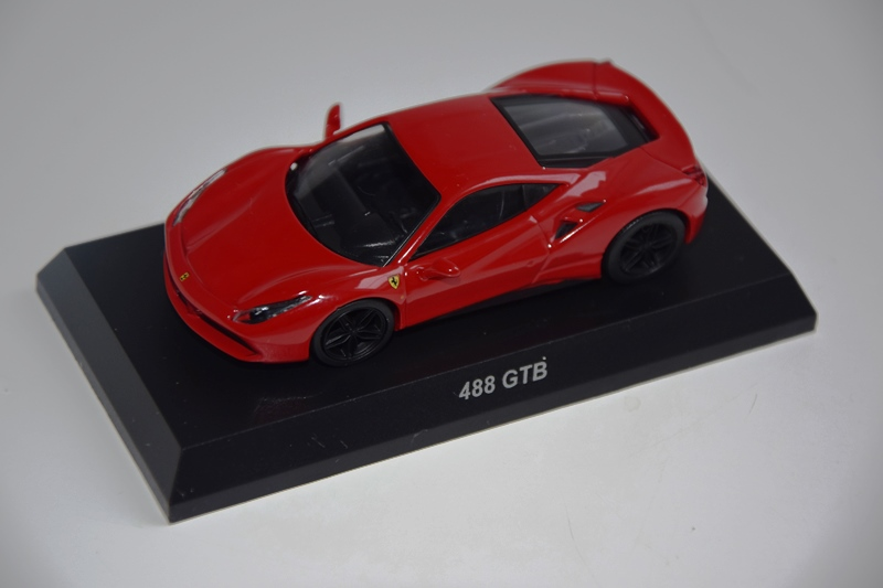 Ferrari_Kyosho12_64_11.JPG