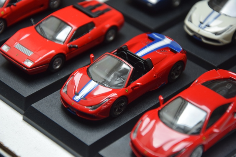 Ferrari_Kyosho_Collection_11_08.JPG