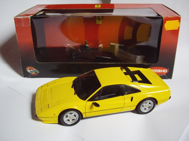 18 Ferrari 308 GTB QV 1982 Kyosho Jaune 08182Y